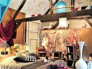 Au 2, Maison d'hôtes, Suite Voltige - Tille vacation rentals