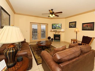 Mountain View Condo 3507 a 3 bedroom condo right on the Pigeon Forge Parkway. - Sevierville vacation rentals