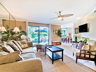 Beautiful condo w/ heated oceanfront pools and spas -beach access - Solana Beach vacation rentals