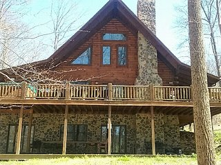 Nice 6 bedroom Union Furnace Cabin with Deck - Union Furnace vacation rentals