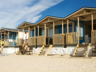 Geweldige strandhuisjes OP het strand - Wijk aan Zee vacation rentals