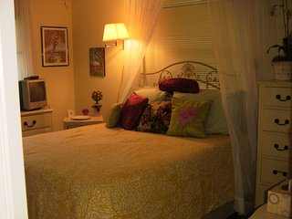 Florida Venice 4 rooms pool private bath half house, 1.5 mi to beach - South Venice vacation rentals