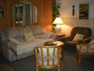 """Sleep & Go"" Basement Studio - 20 min. from Niagara Falls - Welland vacation rentals"