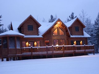 Grand Jay Luxury Lodge, Stunning Views, Near Whiteface & Lake Placid - Upper Jay vacation rentals