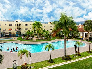 Resort Style Apt 3bd w/ free 30mbps wifi & Cable - Santiago vacation rentals