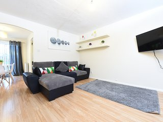 Perfect 3 bedroom Manchester House with Internet Access - Manchester vacation rentals