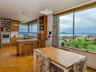 Lovely room with an amazing view - Hobart vacation rentals