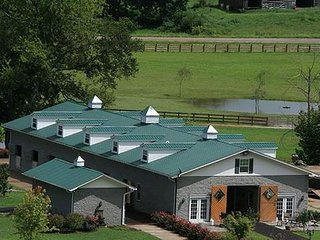 Bright 1 bedroom Private room in Lynnville - Lynnville vacation rentals