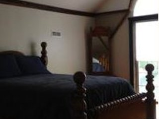 Cozy 1 bedroom Private room in Lynnville - Lynnville vacation rentals