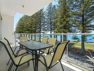 Unwind * 'Breeze' Beachfront Apartment no 21 - Victor Harbor - Victor Harbor vacation rentals