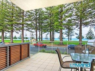 Unwind * 'Breeze' Beachfront Apartment no 11 - Victor Harbor - Victor Harbor vacation rentals
