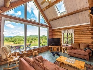 """The Hive"" Luxury Mountain Log Home At The Conways / 35 Peaks View - Brownfield vacation rentals"