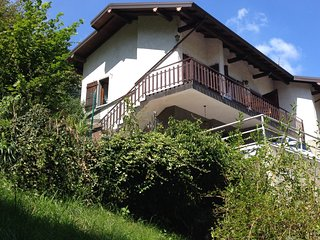 Self-contained villetta in quiet mountain village - Oneta vacation rentals