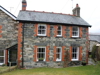 BRYN AWEL Traditional characterful cottage. Perfect base for exploring the area - Penmachno vacation rentals