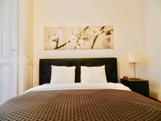 City Center One Bedroom Apartment - Geneva vacation rentals