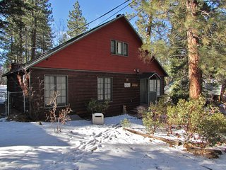 Cozy House with Hot Tub and Fireplace - City of Big Bear Lake vacation rentals