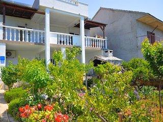 34962  A (4+1) - Poljica (Marina) - Vrsine vacation rentals