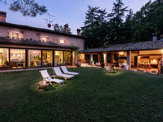 Amazing Villa Monte Quercione Zola Predosa - Zola Predosa vacation rentals