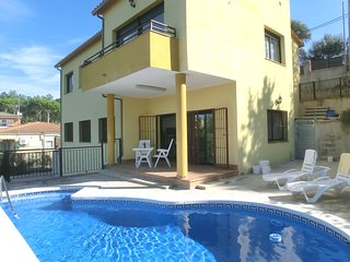 4 bedroom House with Television in Riudarenes - Riudarenes vacation rentals