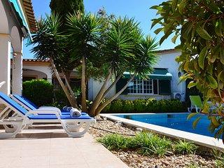 Villa Azeitao I - Azeitao vacation rentals