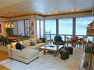 Bright 4 bedroom House in Snowmass Village - Snowmass Village vacation rentals