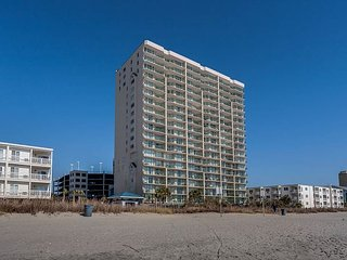 1st floor uniySpacious 4 bedroom, 3 bathroom, direct oceanfront condo - North Myrtle Beach vacation rentals