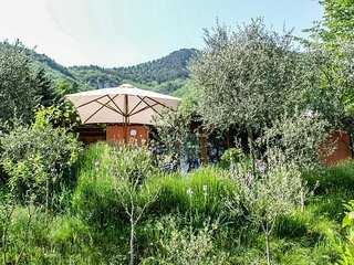 50sqm bungalow in Brescia province with two bedrooms and open living-dining area, overlooking Lake Garda! - Tignale vacation rentals