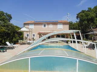 Spacious, 3-bedroom house surrounded by verdant nature with a garden, WiFi and a swimming pool! - Les Adrets-de-l'Esterel vacation rentals