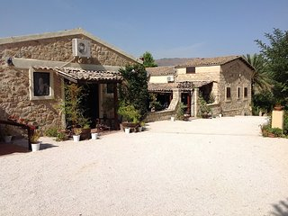 Nice Finca with A/C and Tennis Court - Cammarata vacation rentals