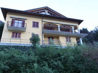 VILLA ROSINA - 3 units with lake views free WIFI - Nesso vacation rentals