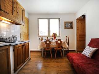 Génépi 3 – a spacious, 1-bedroom apartment located in the Alps Les Menuires / 3 vallées – 100m from the slopes! - Les Menuires vacation rentals