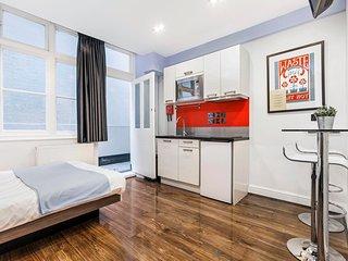 Romantic 1 bedroom Condo in Saint Johns - Saint Johns vacation rentals