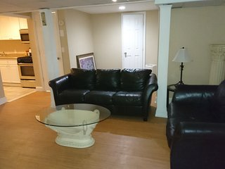 Cozy Apartment with Hot Tub and Boat Available in Massapequa - Massapequa vacation rentals