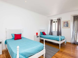 Space and comfort in the Historical Center - Lisbon vacation rentals