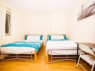 Large 4 Bedroom House In Bethnal Green Sleeps Up To 8 People (CBT) - London vacation rentals