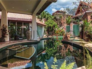 Luxurious 5-bed private pool villa - Jomtien Beach vacation rentals