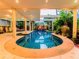 Large luxury 4 bedroom pool villa - Jomtien Beach vacation rentals