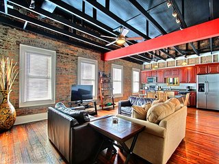 Location! Location! Location! This Wonderful Broughton Street Loft has it all - Savannah vacation rentals