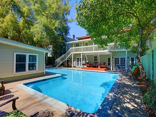 Savannah Historic District Vacation Rental with a pool! You`ve found it! - Savannah vacation rentals