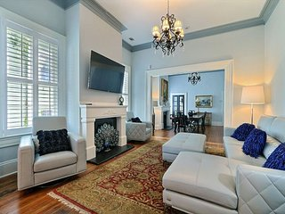 Beautifully Renovated Town Home in a Great Location Close to Forsyth Park - Savannah vacation rentals