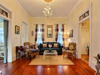 Cool n` Cozy Cottage Steps Away from River Street! - Savannah vacation rentals
