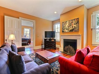 Wonderful Home in the historic district of Savannah! This Historic Savannah v - Savannah vacation rentals