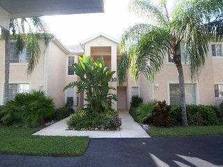 Walk to Barefoot Beach-Bonita Springs 3 BDR 2 Bath Condo ground floor - Bonita Springs vacation rentals