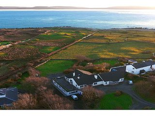 Direct Seaview. Perfect for Groups, 5 Km to Galway ~ RA131452 - Barna vacation rentals