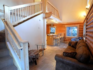 "Alyeska Hideaway Vacation Rentals ""Placer Cabin"" - Girdwood vacation rentals"