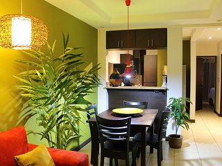 Cariari Lapa Premium (+ Tours, buses, Restaurants) - San Jose vacation rentals