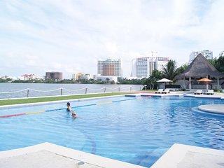 Luxury Lagoon View Home - 10 People - Luxury Isla Dorada Resort Amenities - Cancun vacation rentals