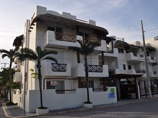 Playa Mamitas Old Style Seaview Penthouse for 4 - Playa del Carmen vacation rentals
