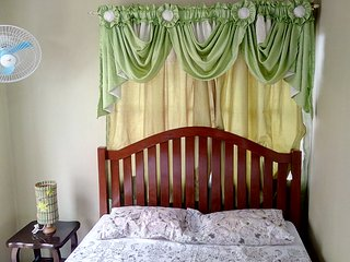 3 bedroom House with Internet Access in Bacoor - Bacoor vacation rentals