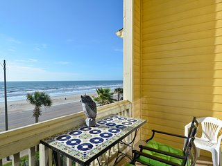 Perfect House with A/C and Shared Outdoor Pool - Metog County vacation rentals